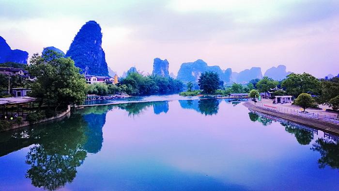 长安汽车凌轩日前在美丽的桂林阳朔举行了媒体试驾会,笔者有幸参与了