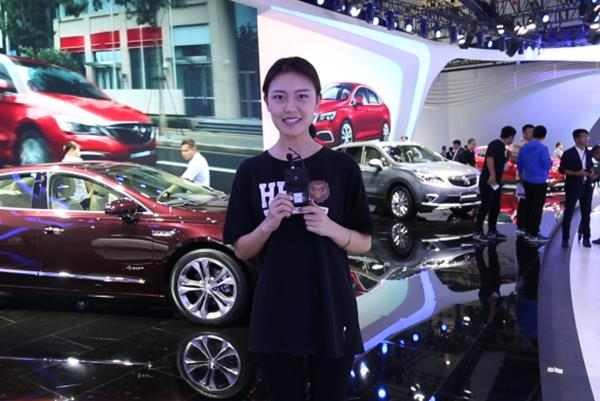侃车TV | 性能之上更性能 豪华之上更豪华 2017广州车展别克展台